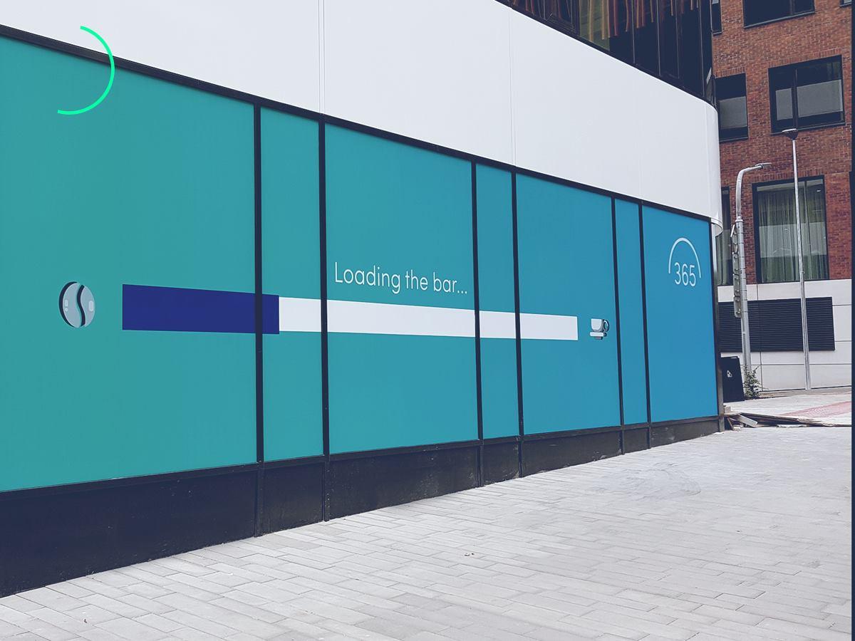 365.bank zvláda komunikáciu aj v offline priestore. Takto oznamovala svoj  príchod v Bratislave 66ef99bdc9b