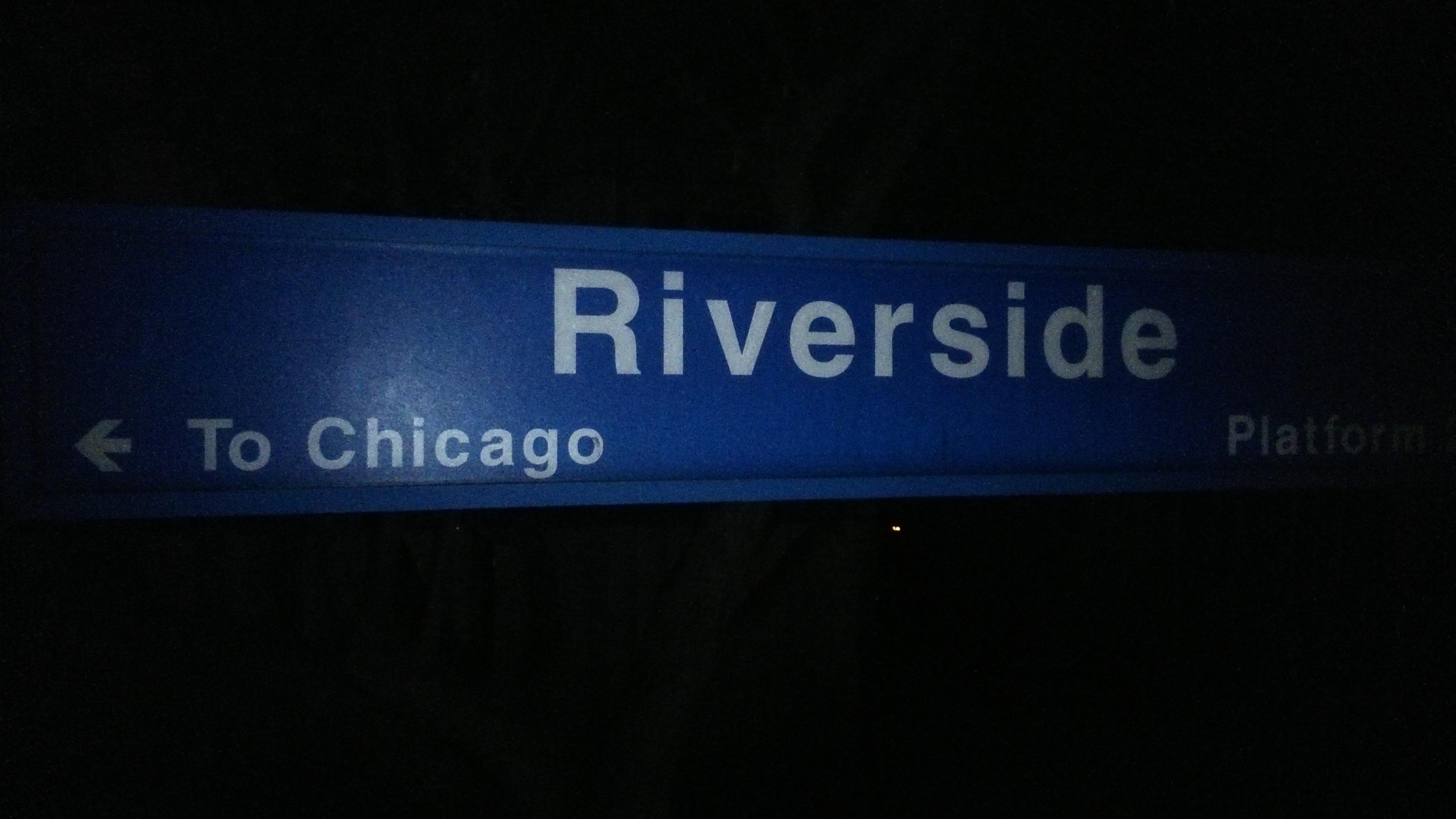 ráno na stanici v Riverside