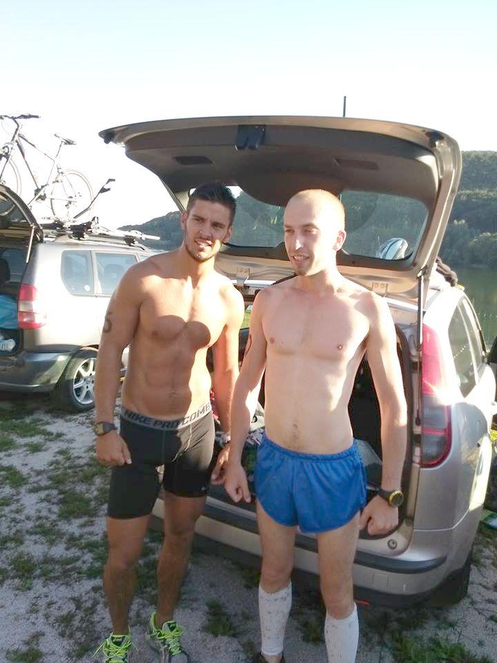 22.08.2014 - foto pred mojím prvým triatlonom s kamošom a trénerom z crossfitu Marošom Kolcunom